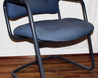 Vintage Mid Century Modern Eames era Gray Powder Coated Tubular Steel Cantilevered Arm Chair MCM Knoll Office Furniture