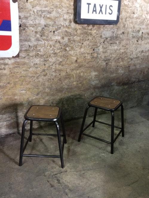 Tabouret ancien industriel acier et bois haute juice - Tabouret haut vintage ...