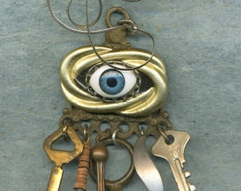 Vision Quest, pendant with eye, eye charm, eye, necklace, pendant, eye necklace, gold chain, keys, charms, vintage charms, good luck eye