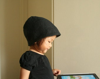 CHILDRENS SUMMER HAT / unisex / girl / boy / baby hat / black / reversible childrens hat / linen beanie / cloche / by pamelatang