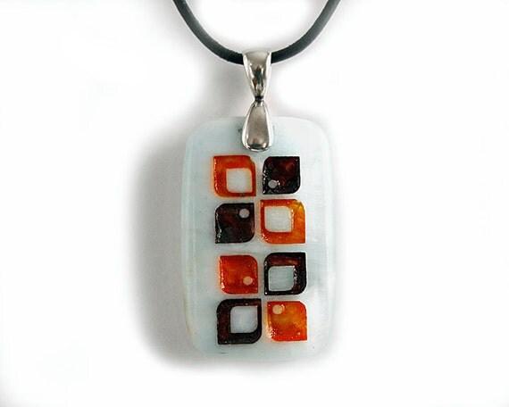 Retro 70's Mod Engraved Stone Pendant Necklace - Hemimorphite