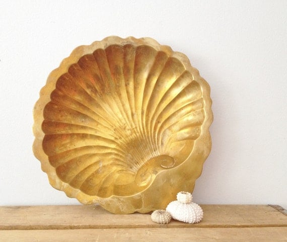 Brass Seashell Tray - Metal Shell Dish - Vintage Decor - Trinket Holder