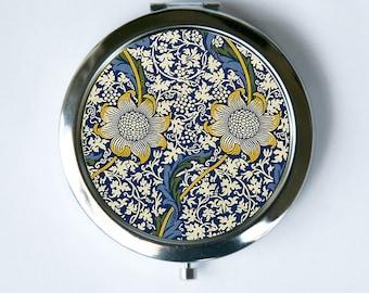 Art Nouveau Floral Daisies Compact Mirror Pocket Mirror flowers pattern design