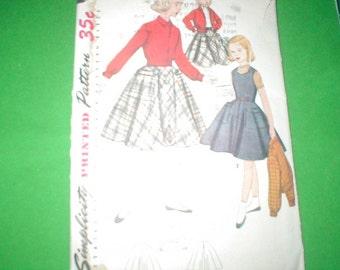 Vintage Simplicity Pattern 4421 Girls size 7
