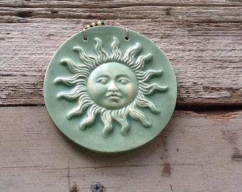 Round Sun Garden Tile in Sage Green