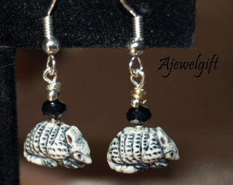 Armadillo Earrings 12108