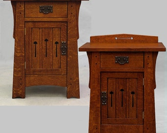 Arts and Crafts, Mission, Pair of matched Mackintosh Stands.  Quartersawn Oak