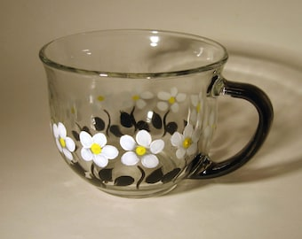 Hand Painted Tea Cup With White Daisies