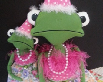 Fergie Frog N Lil Hopper Prim Handmade Party Time Frogs