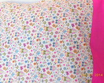 SALE         -------------     Owls and Flowers Pillowcase