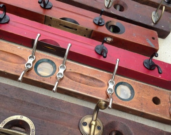 Wooden Level Hook Rack