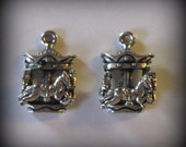 4 Silver Pewter Carousel Charms (qb25)