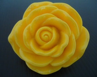 Discount Special 45mm Yellow Resin Rose Flower Beads (2x)