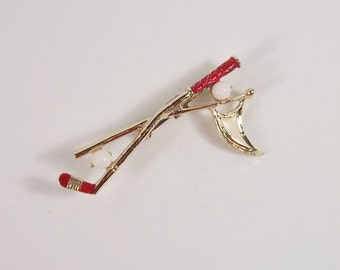 Golf Club Red Enamel Gerrys Brooch Vintage 60s Jewelry
