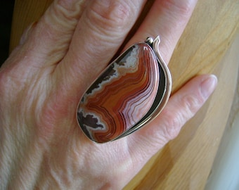 Unique Dryhead Agate Cocktail Ring - Size 8.75