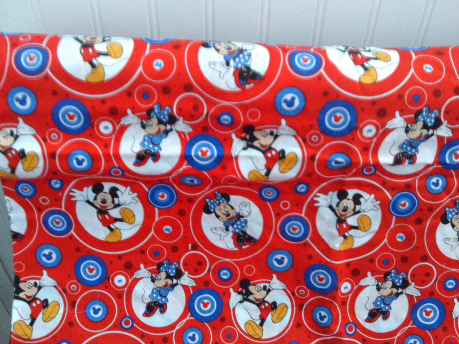 Childrens novelty quilt fabric mickey mouse minnie mouse for Kids novelty fabric