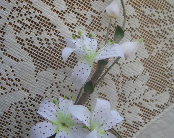 Vintage Millinery Czechoslovakia Flowers Fabric Tiger Lily Cluster For Hat Making Scrapbooking VF 055 W