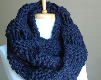 Navy Blue Chunky Scarf, Knit Infinity Scarf, Chunky Scarf, Hand Knit Infinity Scarf, Women's Scarf, Knitted Neckwarmer, Circle Scarf, Winter
