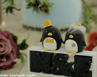 Penguins with swarovski crystal flower wedding cake topper (K405)
