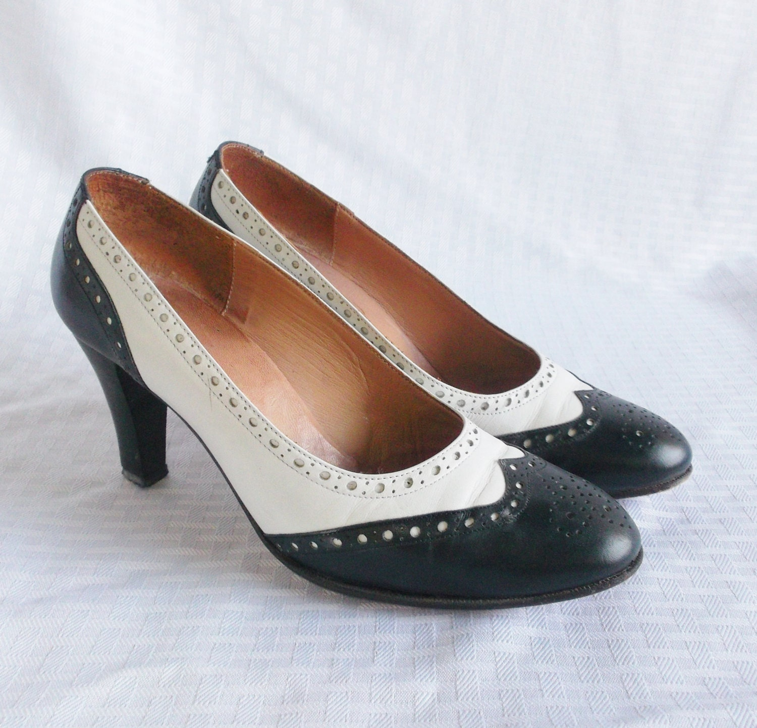 1970 s vintage black and white spectator pumps shoes by