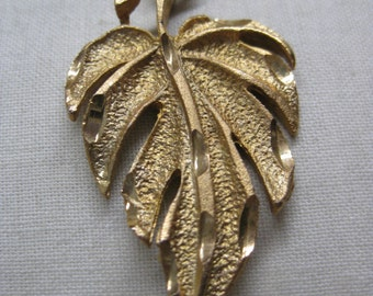 Leaf Gold Necklace Vintage Pendant
