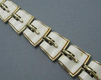 Vintage Bracelet White Thermoset Lisner Jewelry X49