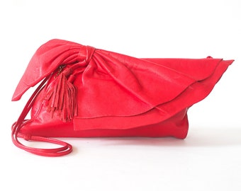 vintage red leather clutch purse / oversize bow / soft slouchy