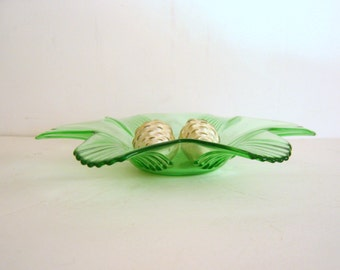 Vintage Green Glass Candy Dish Art Deco Candle Holder Ribbed Petals