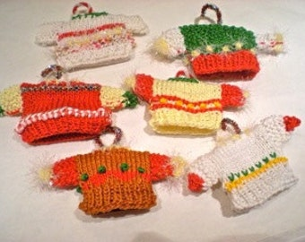 set/6-Hand knitted Mini Sweater Ornaments/Buy 6 Get One Free!Cotton hand knit Christmas Ornament-Gift Box Decoration/Small hand knit sweater