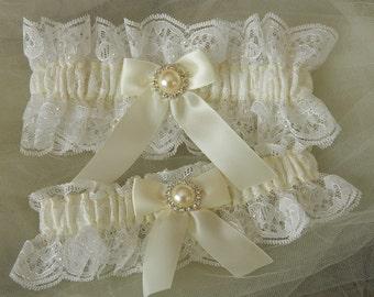 Wedding Garter Set,Bridal garter set,White Chantilly Lace And Off White Garter