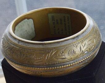 Pretty Vintage Etched Bangle Bracelet
