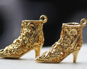 gold ankle boots pendant
