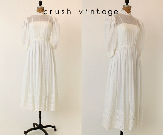 80s Eyelet Wedding Dress XS /  Saks Fifth Avenue Dress  /  Only Have Eyes For You Dress