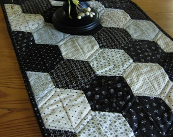Black and White Hexagon Table Runner in Civil War Fabrics
