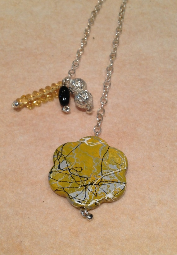 Bookmark Yellow large flower / silver / black