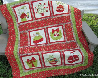 Christmas Quilt, Quilted Christmas Blanket, Christmas Lap Quilt, Quilted Wall Hanging, Quilt with Minky Backing Red White Green