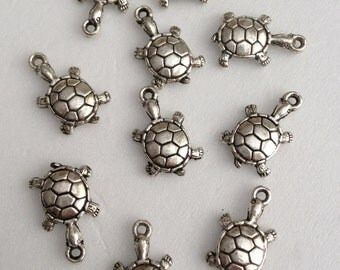 20 - antique Silver  Turtle charm Pendant - Lead free Nickel free and cadmium free