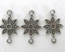 Daisy Flower Connector Antiqued Silver Ox Drop Link Finding Plated Charm 16mm cnn0071 (6)
