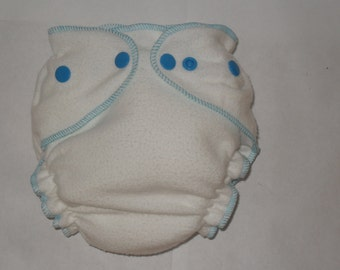 Fitted diaper bamboo zorb with blue snaps