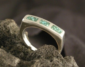 STERLING SILVER  4 mm wide GreenTurquoise chip inlay Ring has been Cast using lost wax method Polished to a High Shine