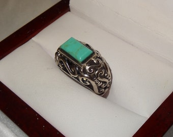 Vintage Large Sterling Silver and Turquoise Cabochon Ring Size 7
