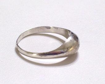 Vintage 925 Sterling Silver Domed Ring Size 9.75
