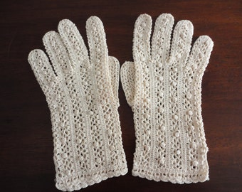 Vintage Ecru Crocheted Shorties Gloves from 60s