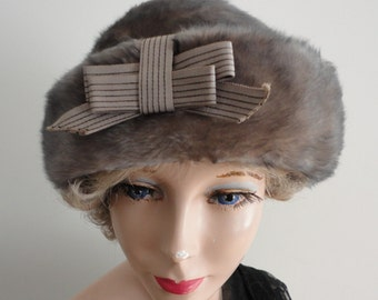Vintage Felt Women Hat 70s Small 21 1/4 inches Boutique Made in Canada