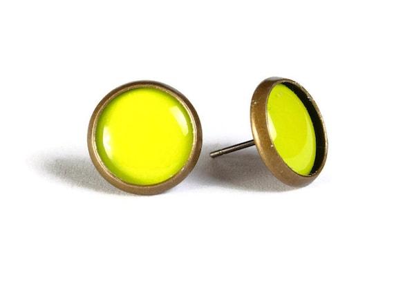 Lime green hypoallergenic stud earrings (511)
