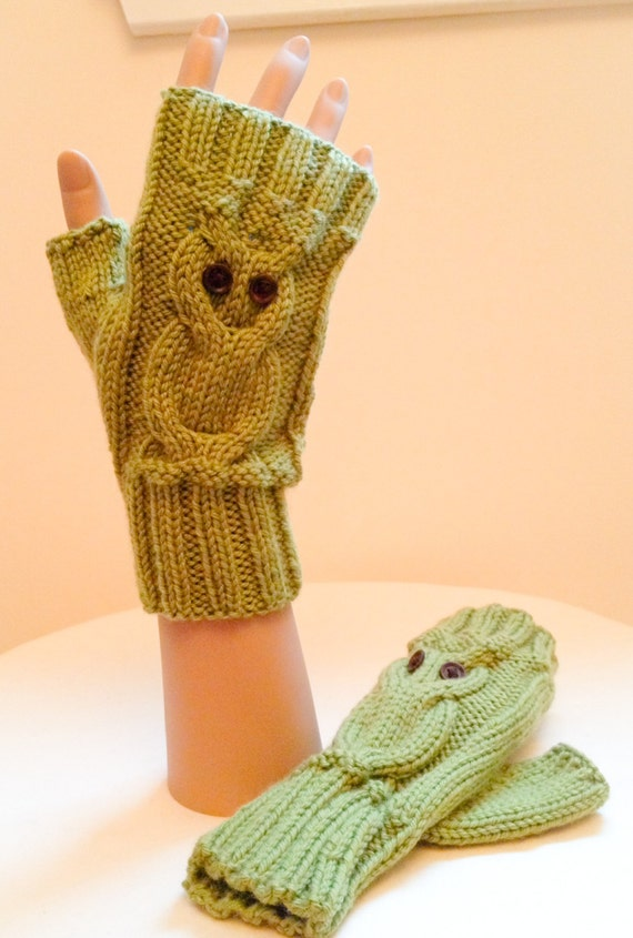 KNITTING PATTERN: Owl Fingerless Gloves 0038 Knitted in