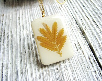 Leaf Necklace Real Pressed Leaves Silverweed Wood Resin Pendant Unique Jewelry Gardener Naturalist Gift Botanial Yellow White Jewelry