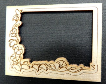 Dollhouse miniature picture or mirror frame #27