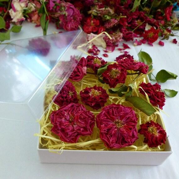 Dry Miniature Red Roses, Gift Box of Roses, Dry Rose, Romantic Gift, Rosebud, Flower Girl, Wedding Confetti, Centerpiece, 6 Dry Red Roses
