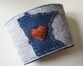 Minnesota LOVE Coffee Cozy, Felt coffee sleeve with MN heart, other states available, hand stitched coffee coozy, Blue & Red